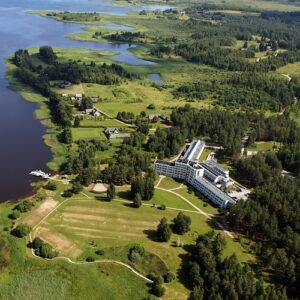 Drone picture of sanatorium building near the bay of Värska.